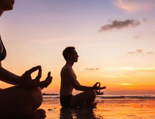 Des yogi et des hommes – Pierre Feuga